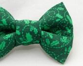 Dapper Cat Green on Green Mistletoe Pattern Cat Bow Tie