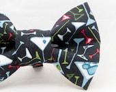 Retro Design Martini Glasses Pattern Dapper Cat Bow Tie