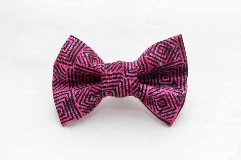 Dapper Cat Pink Geometric Pattern Cat Bow Tie image 0