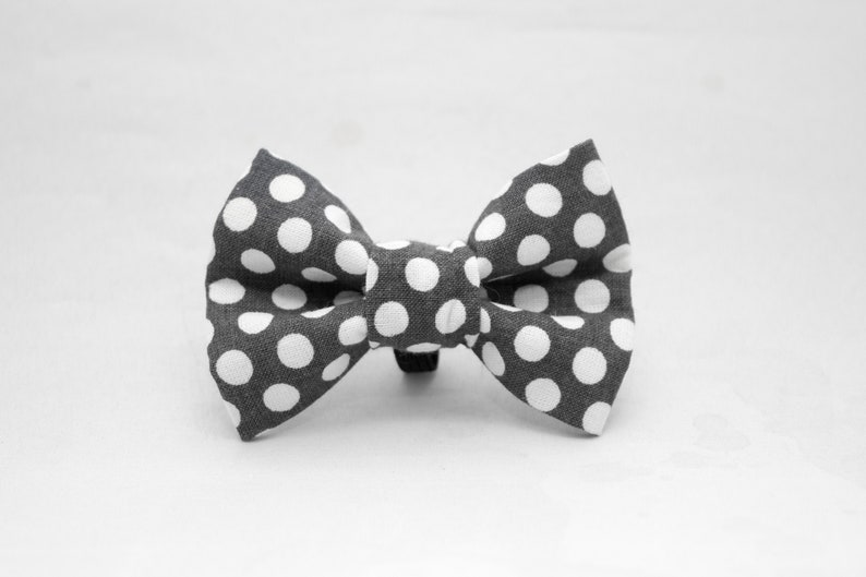 Dapper Cat Gray and White Polka Dot Pattern Cat Bow Tie image 0