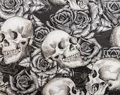 Black & White Skulls and Roses Pattern Nipmats Refillable Catnip Mat