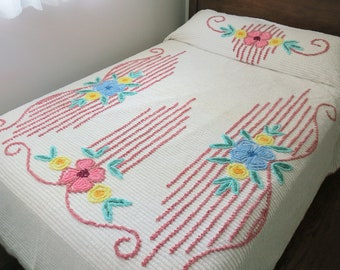Vintage Cottage Garden Chenille Bedspread, White with Pink, Blue & Yellow Flowers, Full or Queen Size – Cozy!