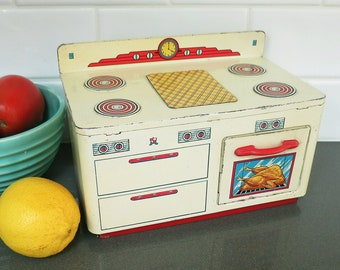 Ohio Art Toy Play Stove, Vintage, Metal, Working Oven Door & Faux Turkey in the Oven — Cute!
