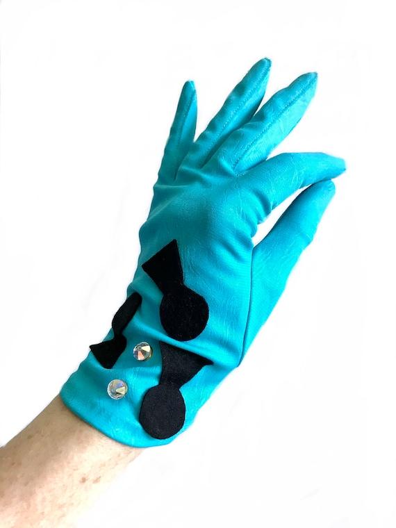 1950s novelty keyhole beaded turquoise gloves/ 50s