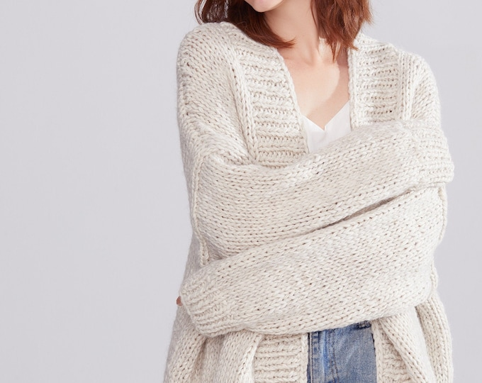 Hand knit oversize woman sweater chunky slouchy Beige wool cardigan