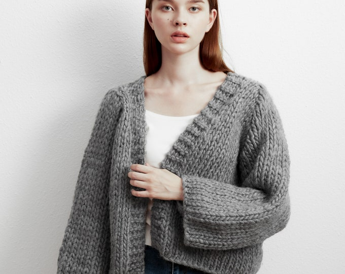 Hand knit oversize woman sweater chunky pure wool slouchy  short cardigan charcoal