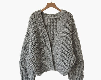 Hand knit woman cardigan sweater short cardigan grey
