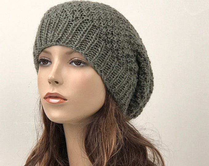 Hand knit hat - Oversized Chunky Wool Hat 2dede6e7654d