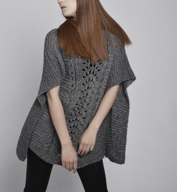 Suéter de la mujer Poncho tejido a mano / capa de carbón   Etsy