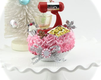 Kitchen Mixer Fake Christmas Cupcake. Baker Lover's Ornament, Faux Sugar Cookies, Mini Cupcake, Faux Icing. Gifts for Her