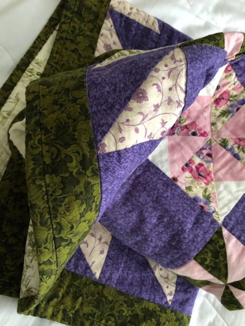 34x41 Reversible Purple Floral ToileTraditional Patchwork Quilt Home Office Decor Handmade Tabletopper Crib Lap Travel Kids Wall Size