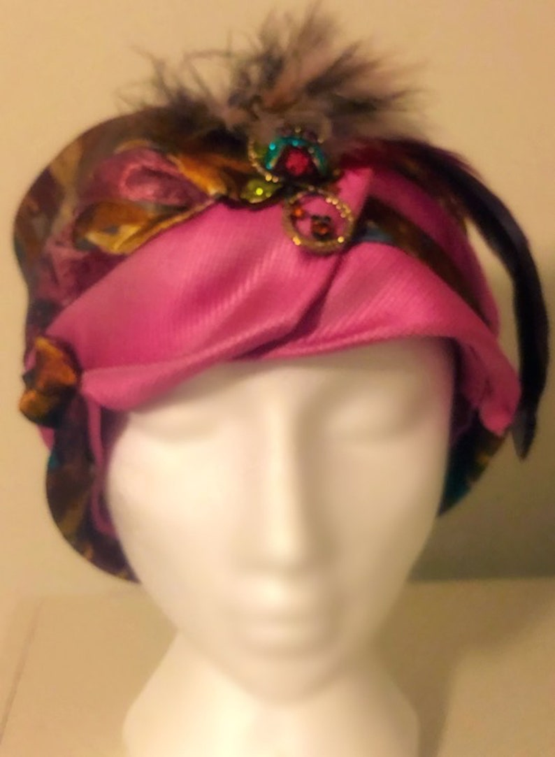 Owl Glam Pink Rust Red Feather Cloche Hat Silk Ladies SM MEDIUM Great Gatsby 1920/'s Women/'s Fashion Accessory Upcycled Necktie Millinery Fun