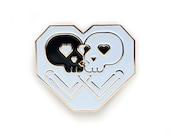 DISOUNTED: Kissing Skulls Gold enamel pin