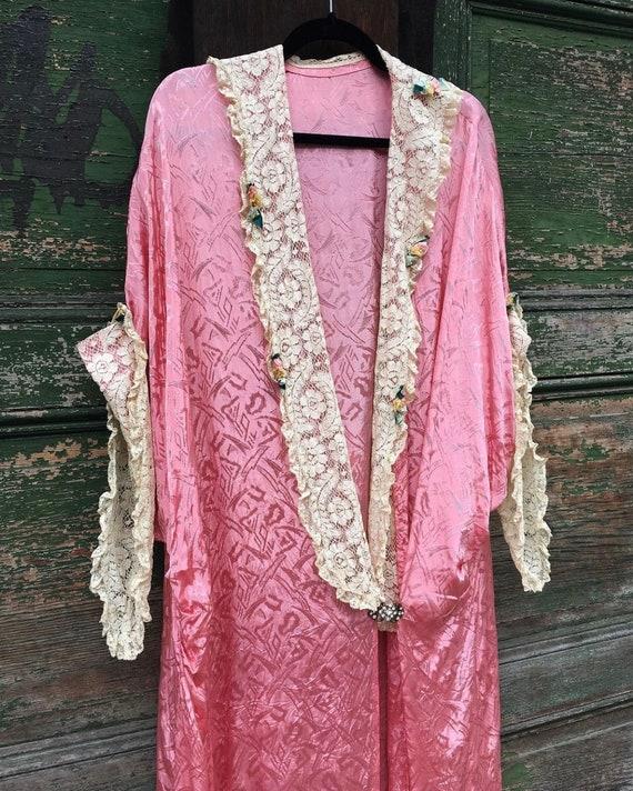 1920s Art Deco Pink Cocoon Trousseau Dressing Robe - image 2