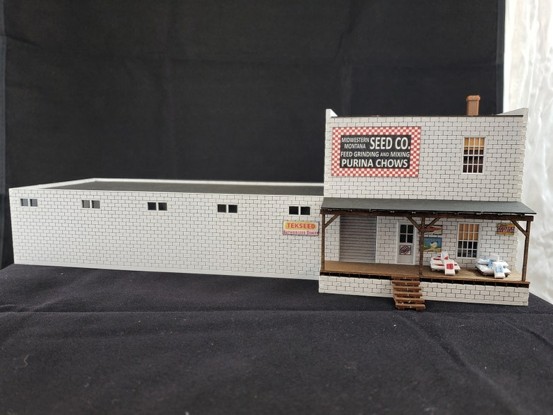 HO Scale Laser Cut Feed Store Craftsman Kit image 0