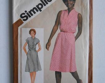 Vintage 80s Pullover Shirtwaist Dress, Sleeveless Summer Dress, Front Button Bodice Sewing Pattern Simplicity 9905 Size 16 Bust 38