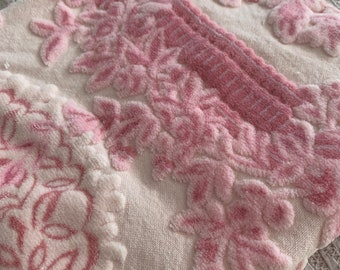 Shabby Vintage Bates Pink Velvet Fabric Chic | Bedspread  | Hollywood Regency Baroque Rococo Edwardian Victorian | Home Decor Upholstery