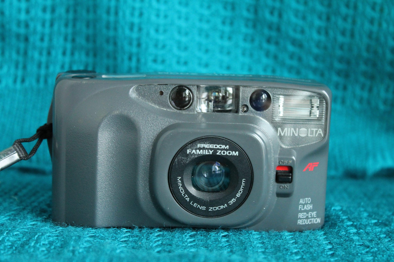 Minolta Freedom Family Zoom 35mm Camera border=