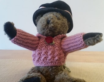 Excellent Vintage Boyds Bear from Archive Series / Collection - 1990-93 - #1364 - Pink Sweater and Black, Velvet Hat with Ribbon and Roses