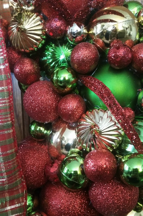 Gold Beautiful and One of a Kind Home Decor All That Glitters Shatterproof Ornament Wreath in Vermilion Rich /& Lime Green