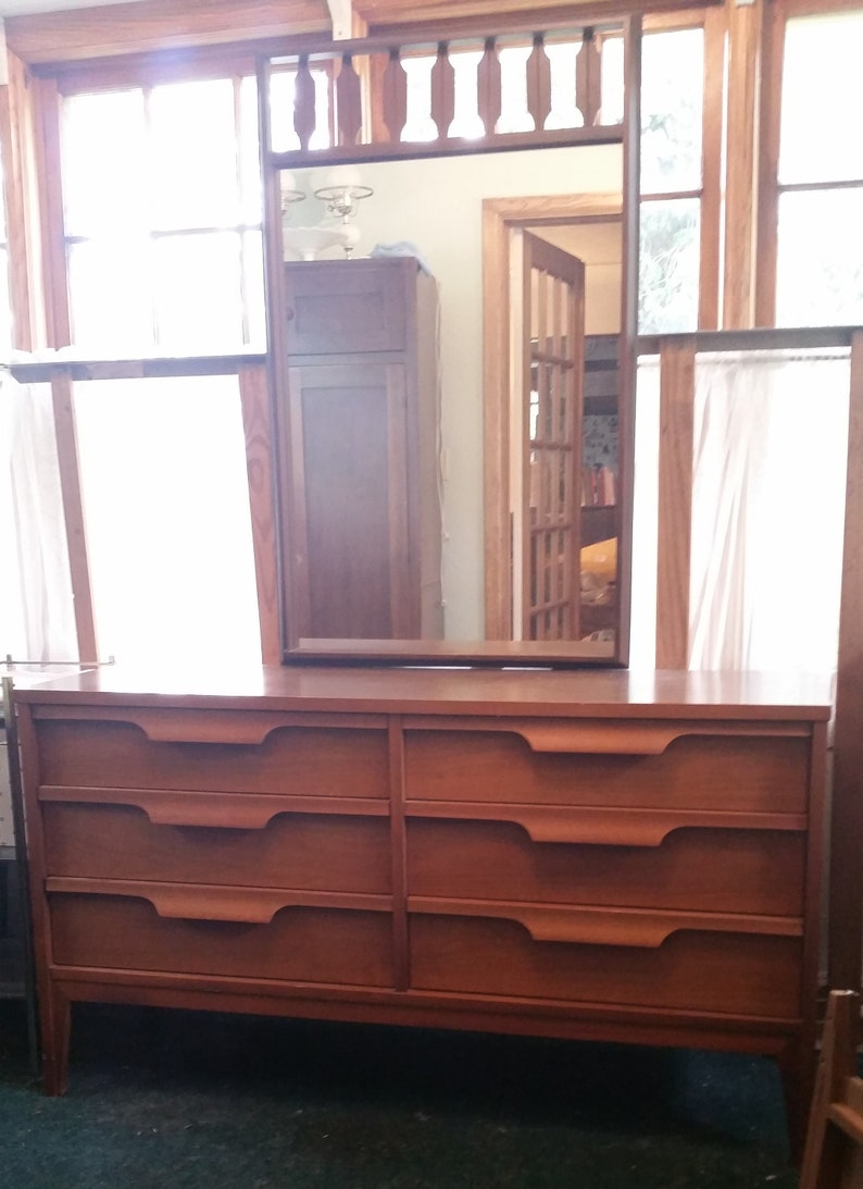 Mid Century Danish Modern Vintage Johnson Carper Six Drawer Dresser with  Mirror & Double Size Bed Frame / Bedroom Set in Walnut and Formica