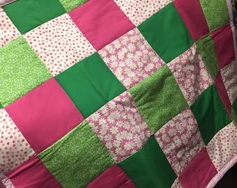 Pink and green girls quilt//newborn girl quilt//baby shower gift//handmade baby quilt//cotton girl quilt//pink and green baby quilt//pink