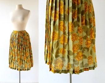 11582533ae Floral Print Skirt   1960s Skirt   Knife Pleat Skirt   27