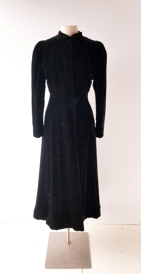Vintage 1930s Coat | Princess Coat | Black Velvet… - image 2