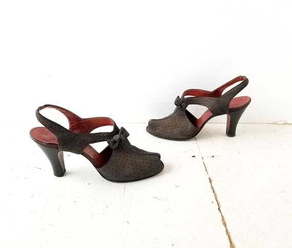 Vintage 1940s Shoes | 40s Heels | Peep Toe Shoes … - image 2