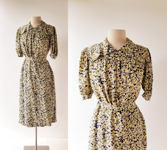 1940s Rayon Dress   Dogwood Blossoms   40s Dress  