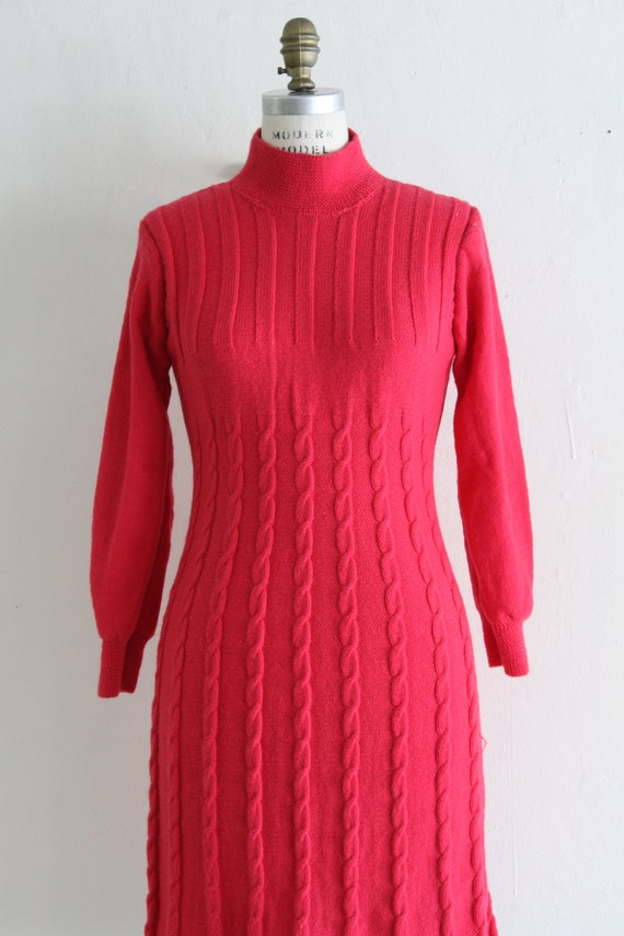 Vintage 60's Hand Knit Hot Pink Cable Knit Dress,… - image 3