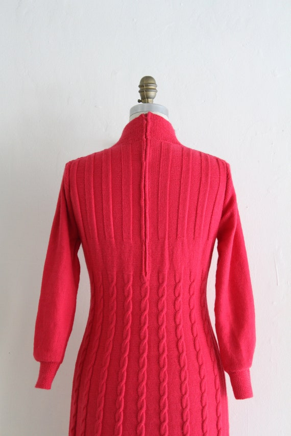 Vintage 60's Hand Knit Hot Pink Cable Knit Dress,… - image 2