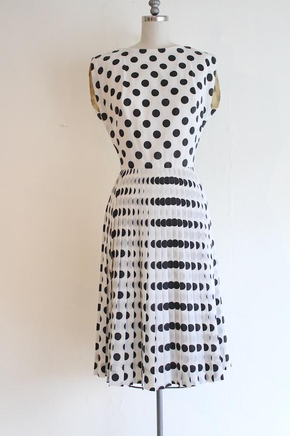 Vintage 1960's Black and White polka dolt dress, v