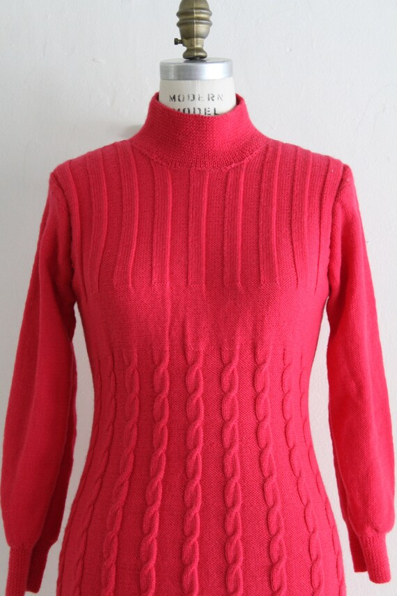 Vintage 60's Hand Knit Hot Pink Cable Knit Dress,… - image 4