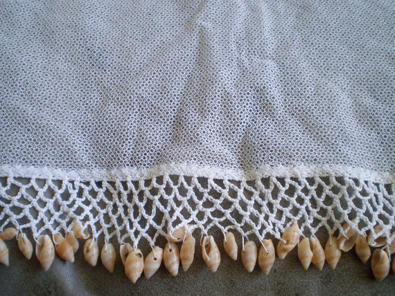 Large square 1930s Victorian net cake or sandwich cover doilie hand crocheted with light brown sea shells