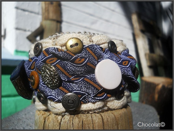 Blue African Traders Cuff - Textile jewelry - South African ShweShwe and Cotton Cuff in blue with vintage metal buttons