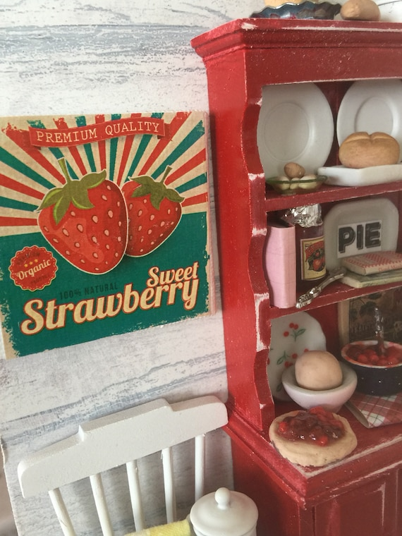 "Vintage Strawberry Graphic canvas Sign 2""x2"""
