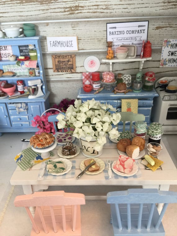 Miniature vintage Style Farmhouse, Table, Chairs and Food Accessories - Dollhouse scale