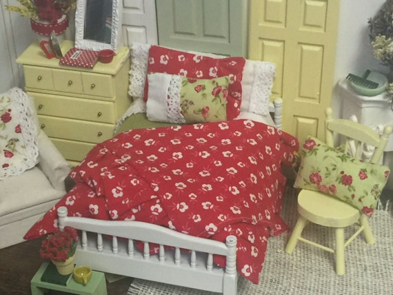 Miniature Doll Bedding Spring Red, White  and Green-1:12 dollhouse scale