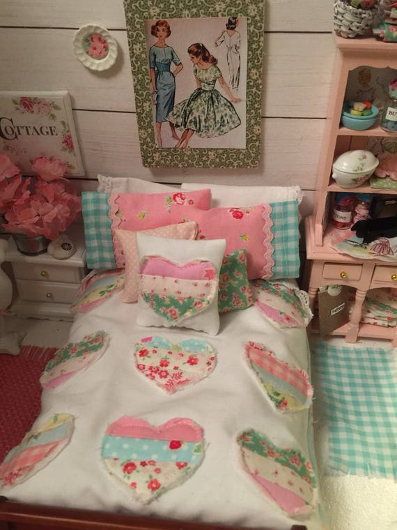 Miniature Country Heart Quilt, Pillowcases, Pillows, Lace Edged Sheet, Mattress - Bedding Only