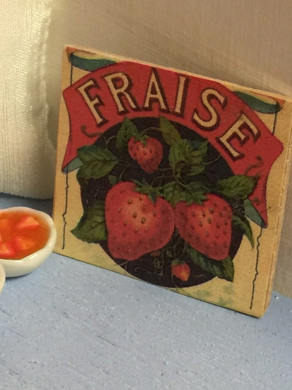 Miniature Vintage Style French Strawberry Sign-1:12 dollhouse scale