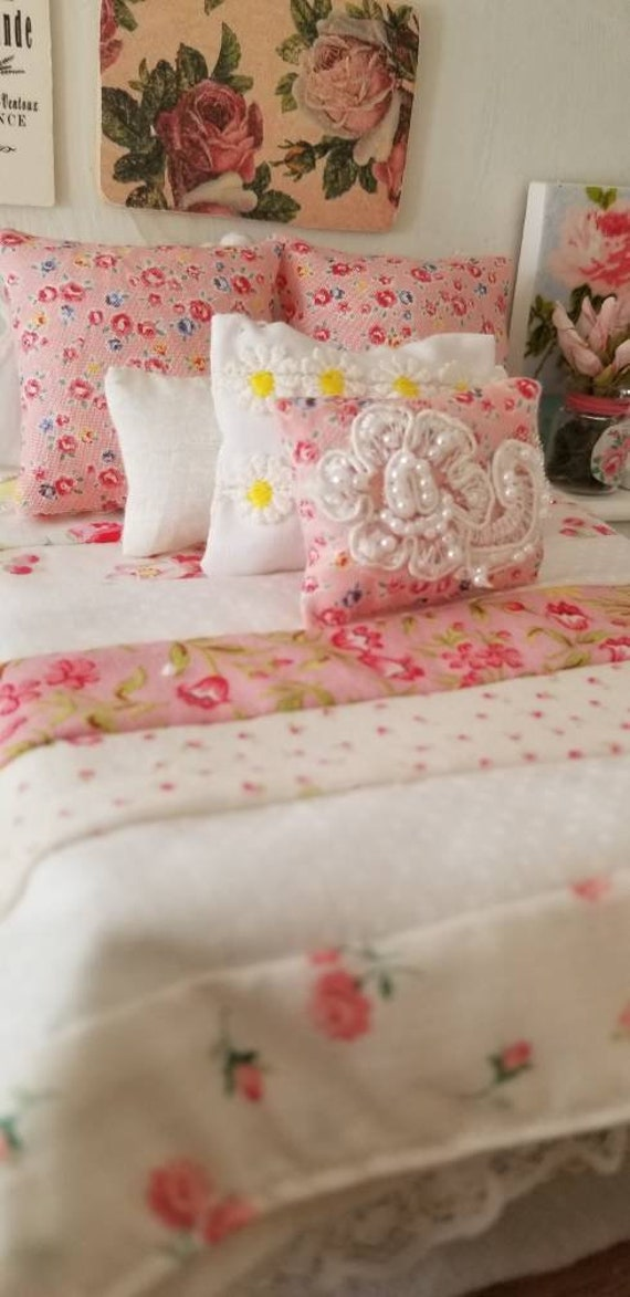 Shabby Cottage Miniature Quilt, Bed, and Bedding- Dollhouse Scale Queen