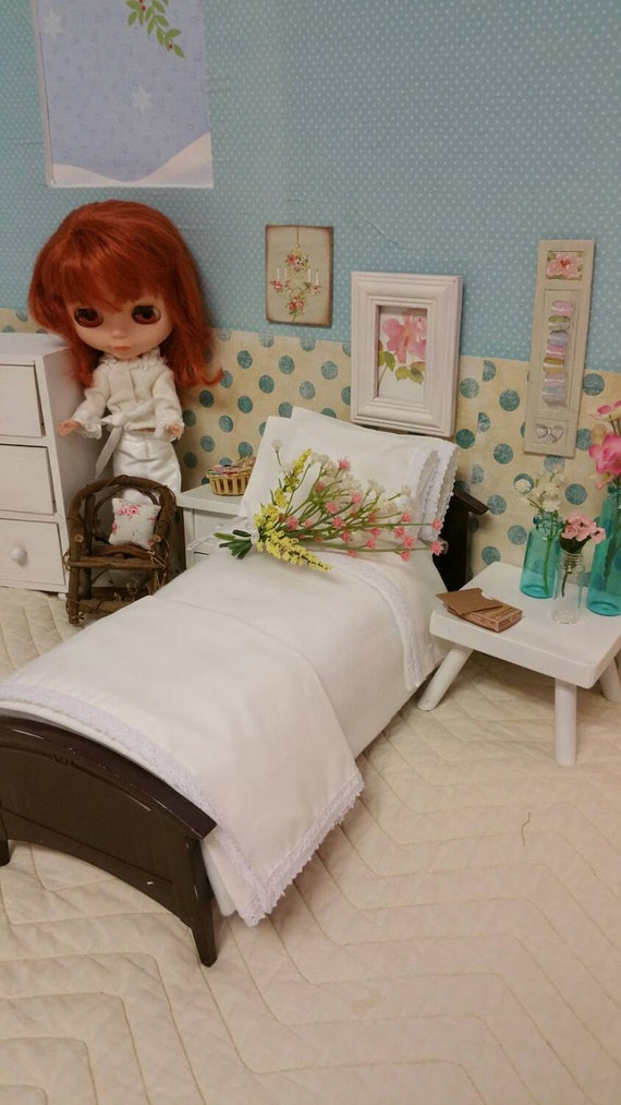 "11"" Fashion Doll  Lace Sheet Set with Matching Stuffed Pillow Cases, Fleece Blanket 1/6 Scale"