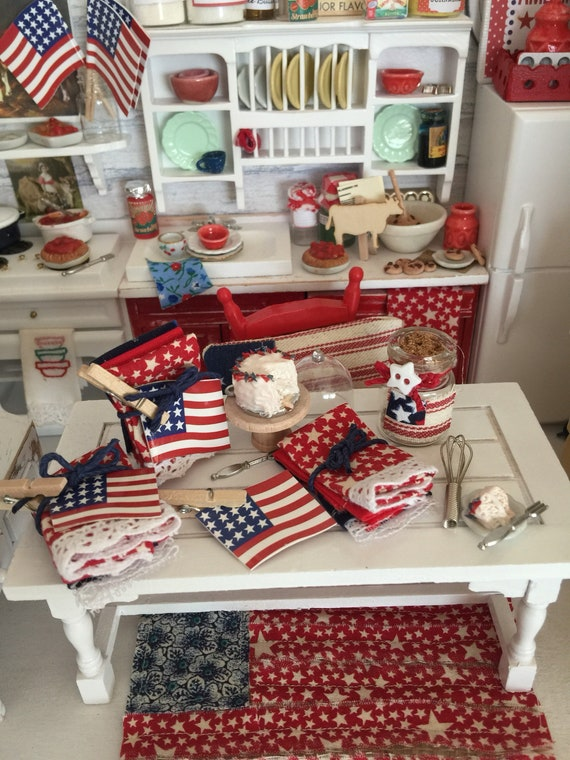 Miniature Set of 3 Kitchen Towels, A Flag and Clothespin - Americana