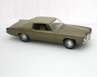 1970 Pontiac Grand Prix Model Car, Vintage 2 Door HT Dealer Promo