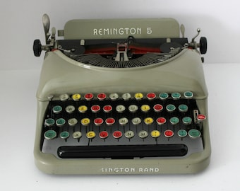 Vintage Remington 5 Manual Typewriter, Tan with Color Coded Keys For Teaching, Teacher Remington Rand Portable In Case