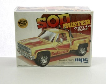 Sod Buster Chevy 4x4 Pickup Vintage 1980 Sealed Model Kit, MPC 1-0440 1/25 Scale
