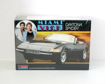 Vintage Miami Vice Daytona Spyder Sealed Model Kit 2737 Monogram 1986 1/24 Scale 1970s Street Beach Van with Honda Mini Bike