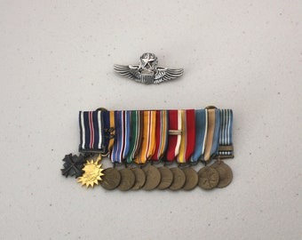 Victory Dress Campaign Medal Bar & Wings Pin, Vintage 1960s Military, 11 Medals