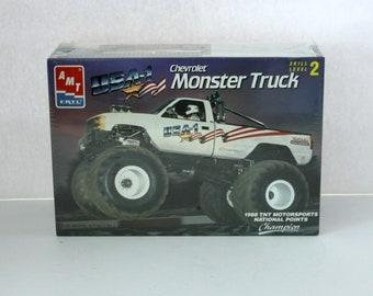 Vintage 1988 Chevrolet Monster Truck Sealed Model Kit AMT Ertl 6969 1/25 Scale TNT Motorsports National Points Champion
